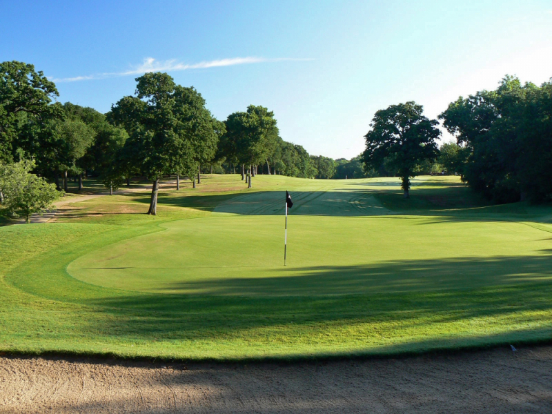 Picture of a green at Bear Creek Golf Club